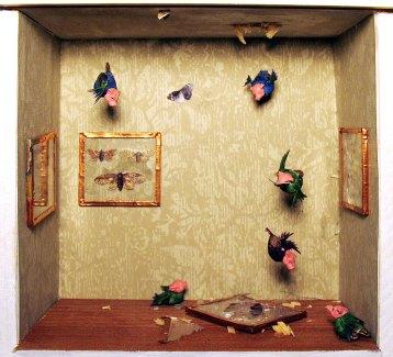 Diorama: Pigbirs eating specimens
